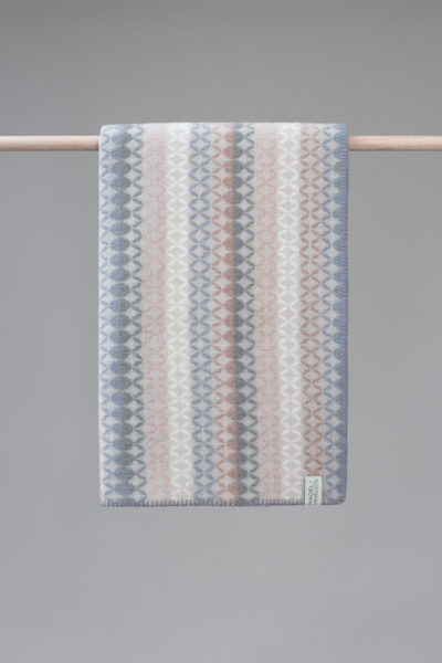Maske blanket in the colour Light sky blue - front
